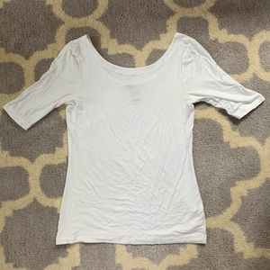 Banana Republic white shirt sleeve t-shirt